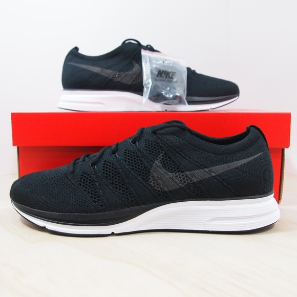 73cb3936c7d43 Mens Nike Flyknit Trainer Black White NEW with box